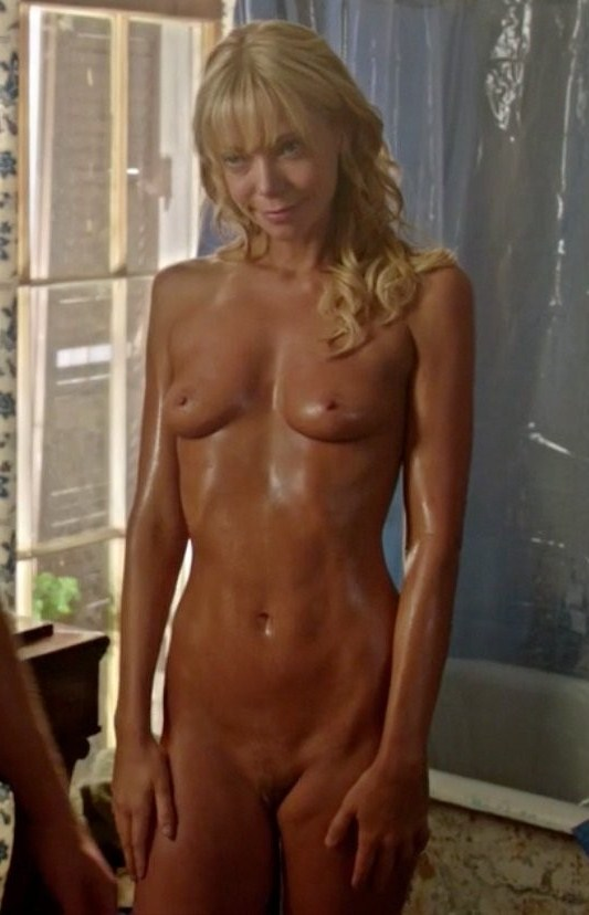 Riki Lindhome Nude Photo