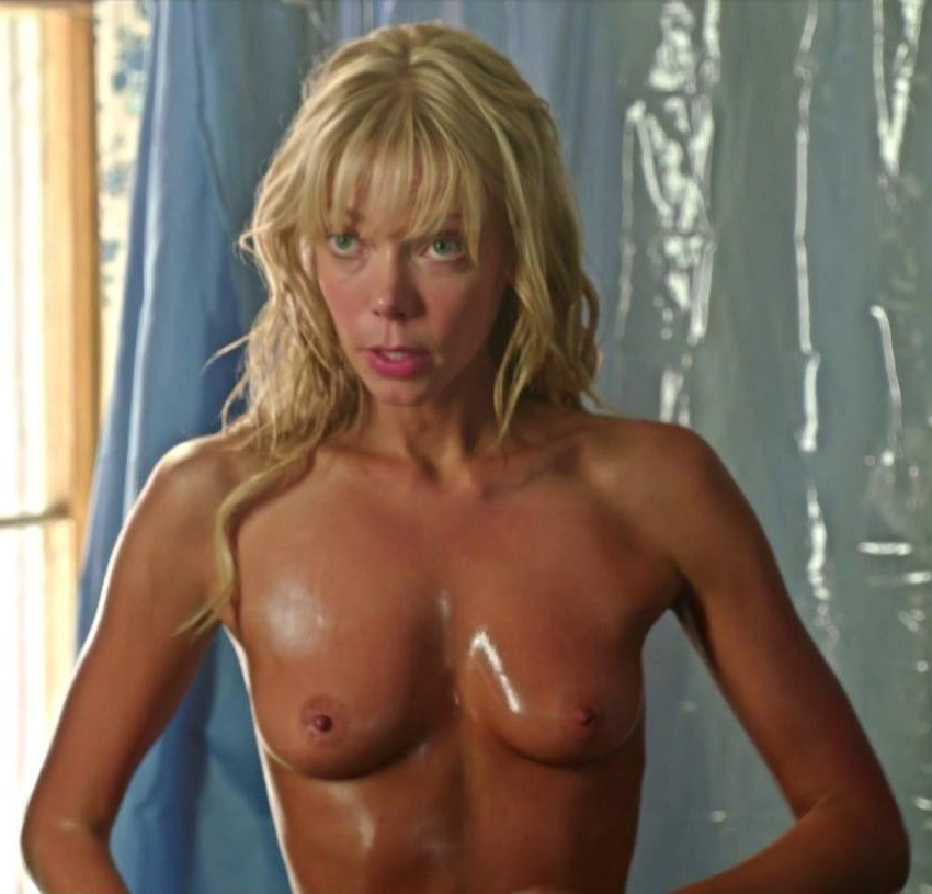 Riki Lindhome Boobs